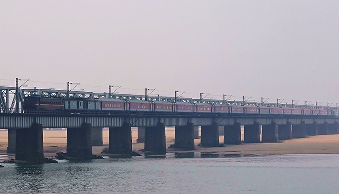 Mahanadi rail bridge